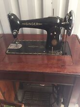 Singer vintage 1952 sewing Waikiki Rockingham Area Preview