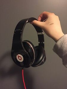 Beats Solo! Gently used