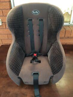"""Good condition """"Zuzu"""" baby car seat"""
