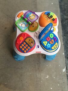 Nice Children play table music works fine Looks new