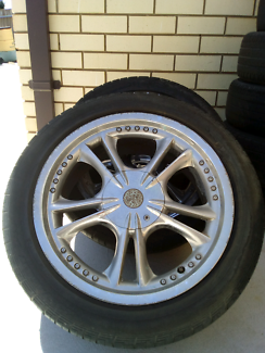 Holden commodore 17 inch wheels