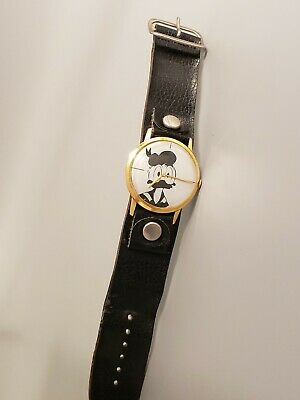 RARE Vintage DONALD DUCK DESTA Swiss Mechanical Watch 17 Jewels Runs Great 36mm