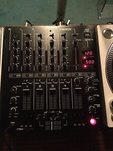 2x Pionner turntables, Reloop mixer and 2 monitor speakers.