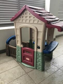 Children's cubby house