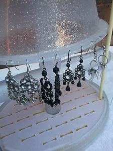Earings ,necklaces  ect. West Lakes Shore Charles Sturt Area Preview