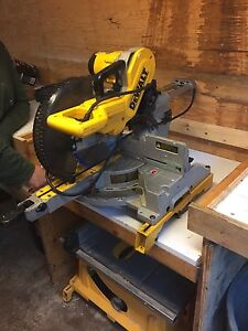 "10"" sliding dewalt compound mitre saw"