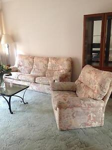 Comfy older style sofa. Cronulla Sutherland Area Preview