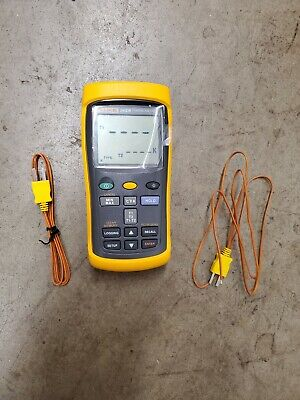 Fluke 54 Ii B Digital Thermometer With Leads