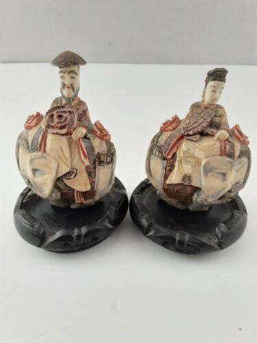 PAIR OF ANTIQUE CHINESE EMPEROR AND EMPRESS SNUFF BOTTLES