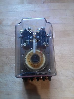 """EDS TIMER TYPE ZR 2U 712T """"NEW NEVER USED"""""""