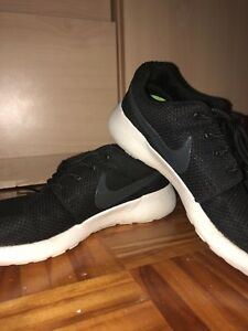 Women's nike roshes