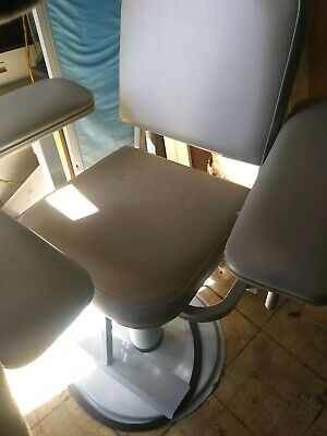 Blood Draw Phlebotomy Chair With Hydraulic Lift Very Good Condition