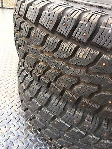 2x 225/75R16 studded winter tires