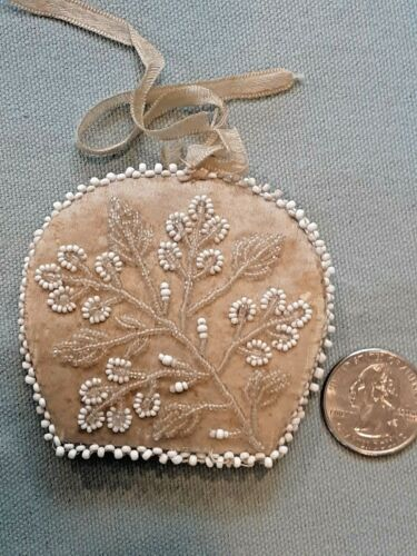 Antique English NEEDLE CASE Amazing Bead Work Silk Sewing Etui Hand made beads