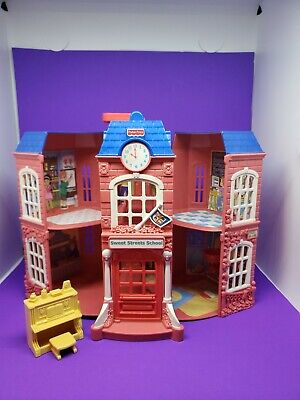 Vintage 2002 Fisher Price SWEET STREETS SCHOOL Doll HOUSE