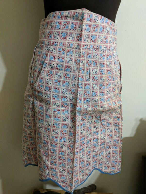 Feed Sack Apron With Pockets Vintage