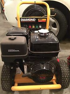 13 Hp Honda GX390.  Diamond 3800 psi. 4.0 gpm pressure washer