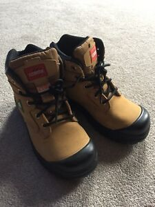 Woman Size 7 Aggressor Steel Toe CSA Work Boots
