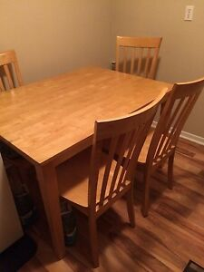 Dining table $140 obo