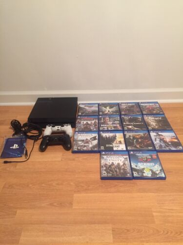 Изображение товара Sony PlayStation 4 Launch edition 500GB Jet Black Bundle