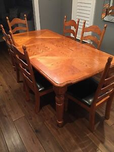 Dining table and chairs for sale Oakville / Halton Region Toronto (GTA) image 5