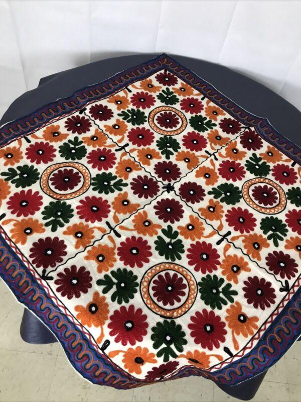 Mandala Style Design appliqué quilt Bright table Cloth Decoration Mirror 35 X 35