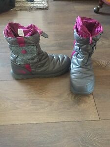 North Face Size 8 Winter Boots