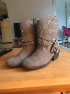 Girls Cowgirl Boots Size 4
