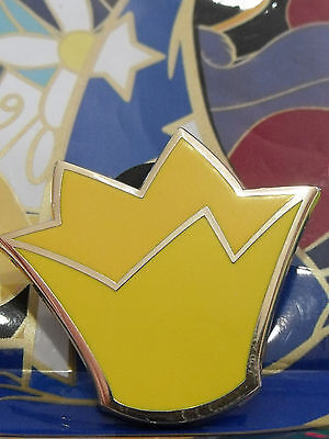 2012 Disney Queen & King of Hearts Crown Mystery Character Hats Trading - King Of Hearts Crown