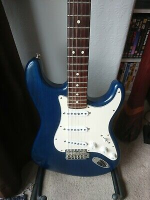 Fender Highway One Stratocaster Sapphire Blue Made in USA Nitro Finish Ash Body