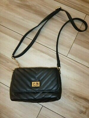 BLACK QUILTED BAG CROSS OVER BODY WITH GOLD CHAIN DETAILS