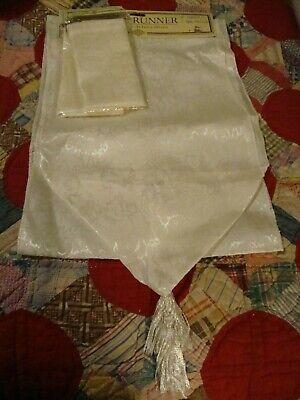 """White Elegant Damask Table Runner/ Tassels 12x72 + 4 Linen Napkins 13.5"""" Sq. 229"""