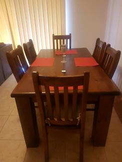 Superamart Settler dining table set