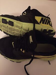 Size 7Y Nike Training runners