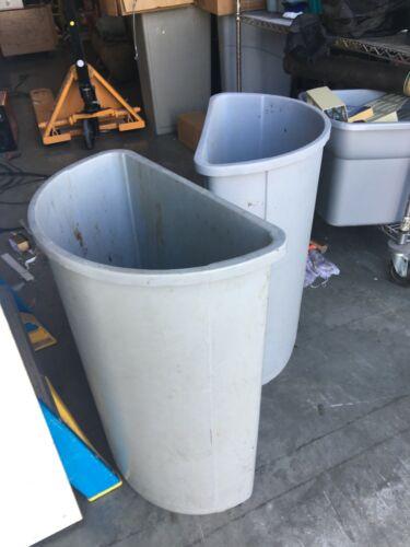Rubbermaid Commercial Trash Can receptical 21 gallon 3520