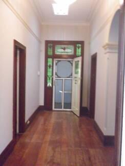 Big Single Room in big House closer Train Station shops&Casino