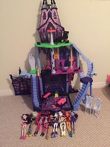 Monster high castle and lot!