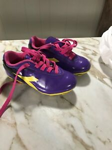 Size 10 Soccer Shoes