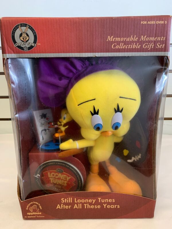 Tweety Memorable Moments Collectible Gift Set Plush & Figurine Applause