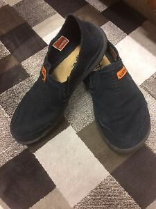 Two pairs of men's cushe shoes