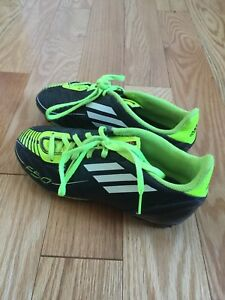 Outdoor Adidas Soccer Shoes Size 2Y