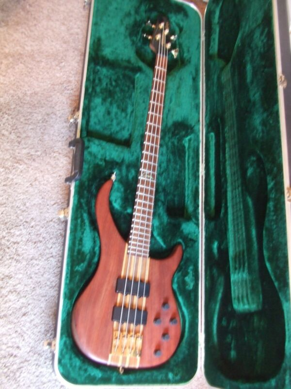Peavey Cirrus 4 String Bass, Excellent! Circa 1999/2000 Made in the USA!