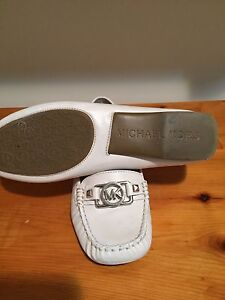 Michael Kors white leather loafer size 8