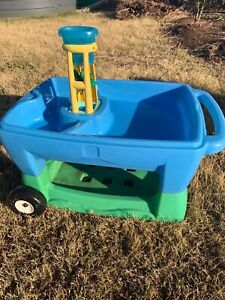 Kids water and sand table