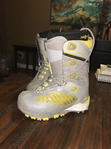 Sims snowboard boots women size 9