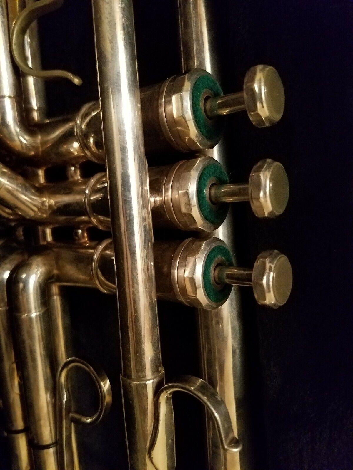 Olds Super Star Trumpet Fullerton CA with case