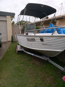 2004 Brooker 420 C Side Console 2004 25hp Yamaha Four Stroke Palm Beach Gold Coast South Preview