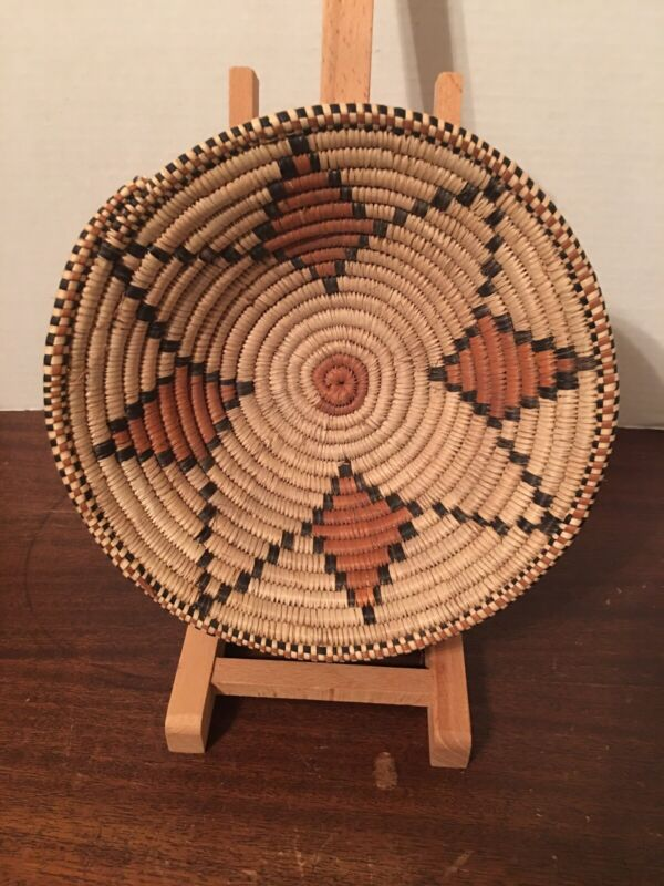 """Handwoven African? Native American? Straw Basket Bowl 8 1/2"""""""