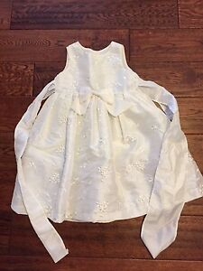 Gorgeous Ivory girls 2T fancy dress