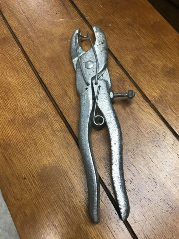 Humane  Hog Pig Ringling  Pliers  Tool Silver Color With Spring